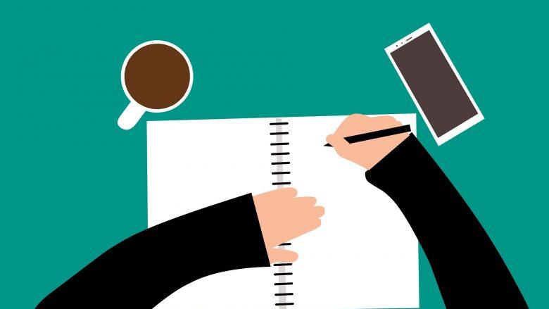 Bild zum Beitrag Anschreiben Einleitung: Notizbuch, Tasse, Handy