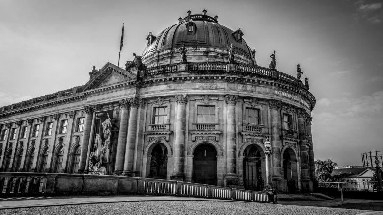 Bild zum Artikel: Deine Möglichkeiten im Theater und Museum: altes Museumsgebäude