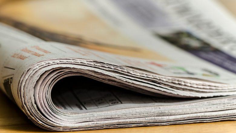 Bild zum Artikel Deine Möglichkeiten in der Politik: Presseberufe, Zeitung auf Tisch